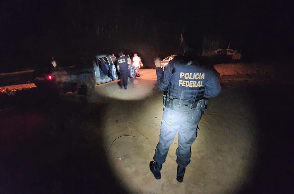 In Brasilien richteten sich Polizeieinsätze gegen organisierte Kriminalitätsgruppen wie Sonho Americano, Lei do Retorno und CaiCai III.