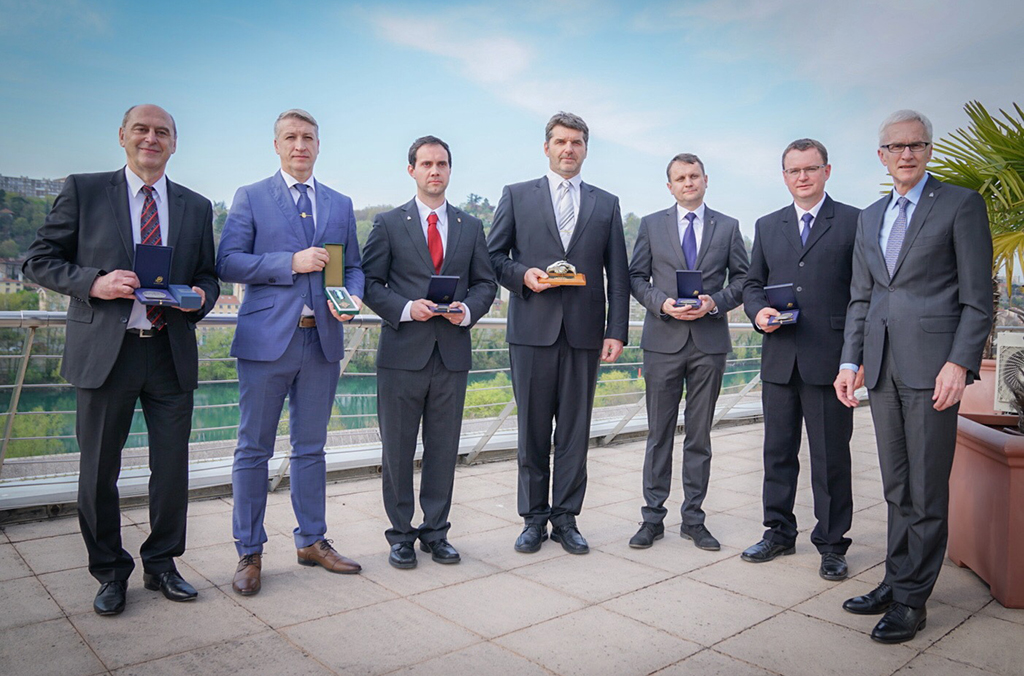 The four Czech database creators receive an INTERPOL medal, and INTERPOL's Criminal Networks Assistant Director receives a Czech Police Medal of Honour