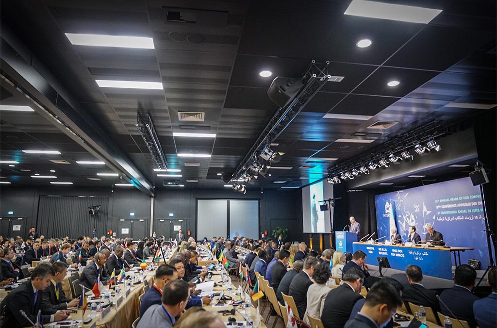 Les délégués ont pu voir comment les stratégies collectives font des B.C.N. une passerelle efficace entre INTERPOL et les policiers de première ligne.