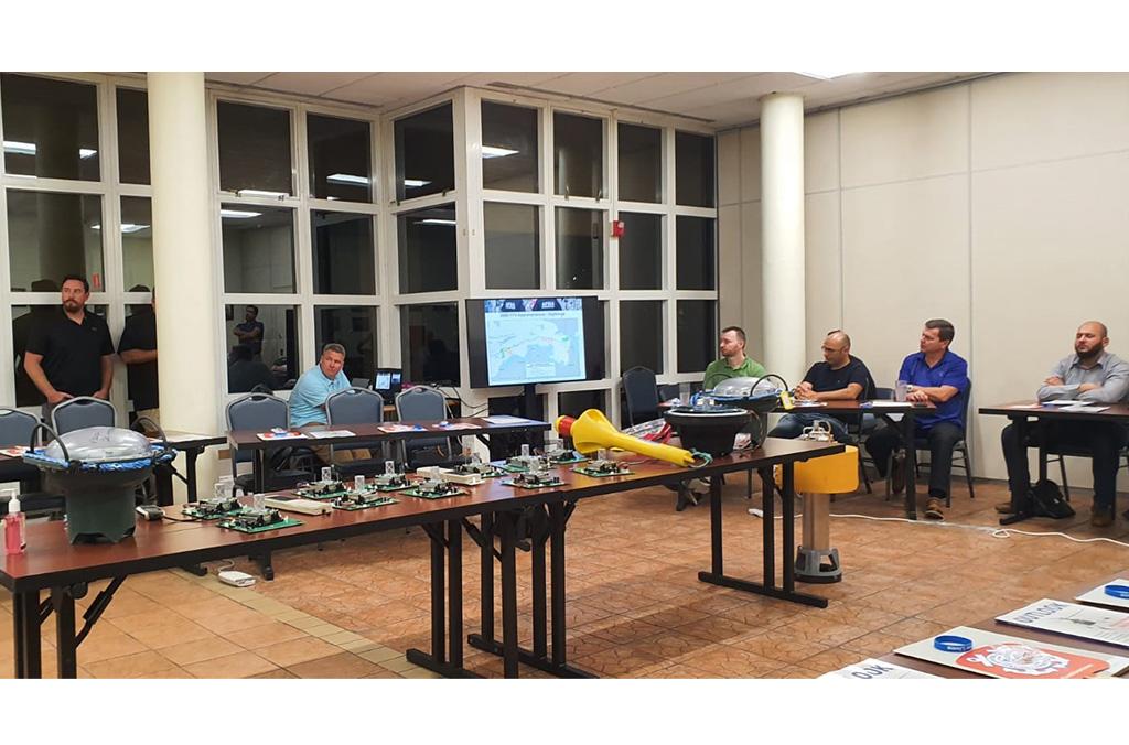 El curso organizado por INTERPOL ayudó a los participantes a conocer los diferentes tipos de dispositivos que se pueden encontrar a bordo de las embarcaciones y los métodos para extraer datos utilizables.
