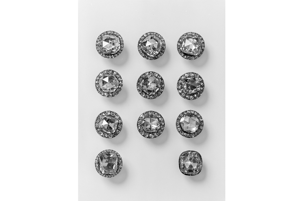 Dresden Green Vault (Grünes Gewölbe) WANTED: Eight diamond frock buttons by Jean Jacques Pallard.