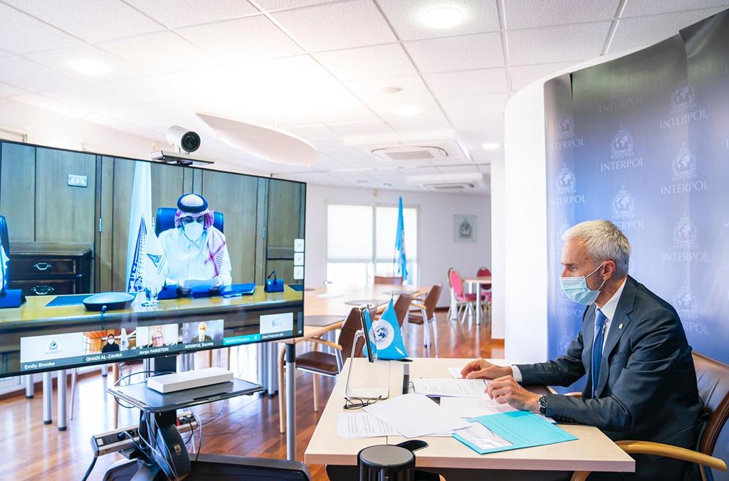 انضمت جامعة نايف العربية للعلوم الأمنية رسميا إلى أكاديمية الإنتربول العالمية خلال مراسم افتراضية.