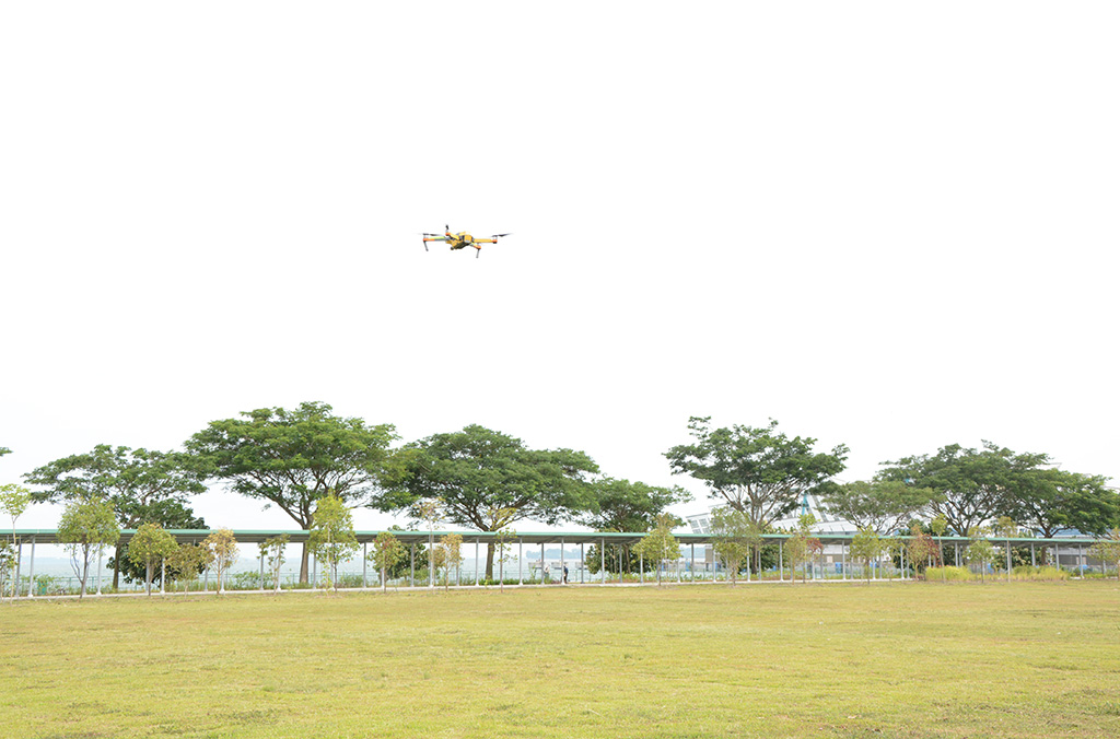 Drone technology: security threats and benefits for police