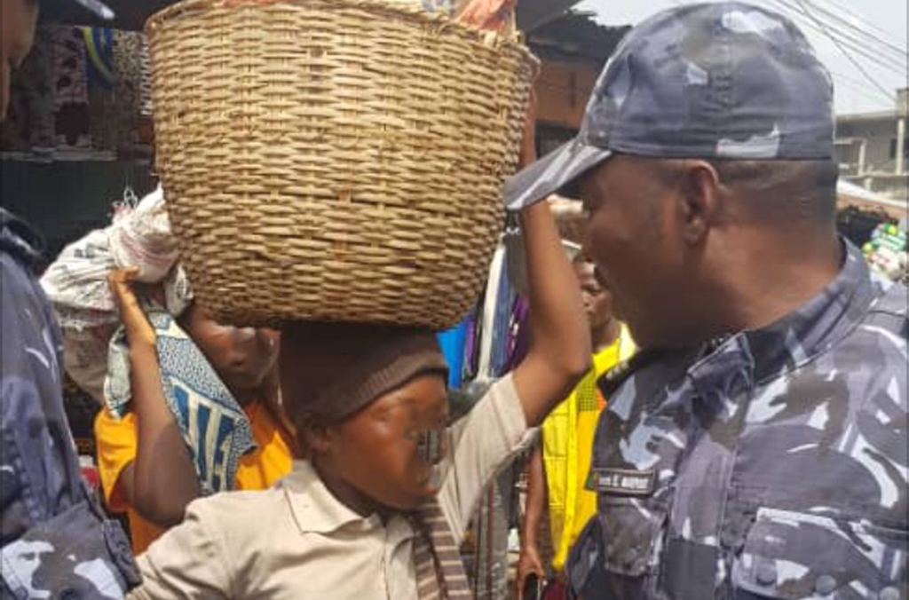 Minors were made to carry heavy goods clandestinely between Benin and Nigeria.
