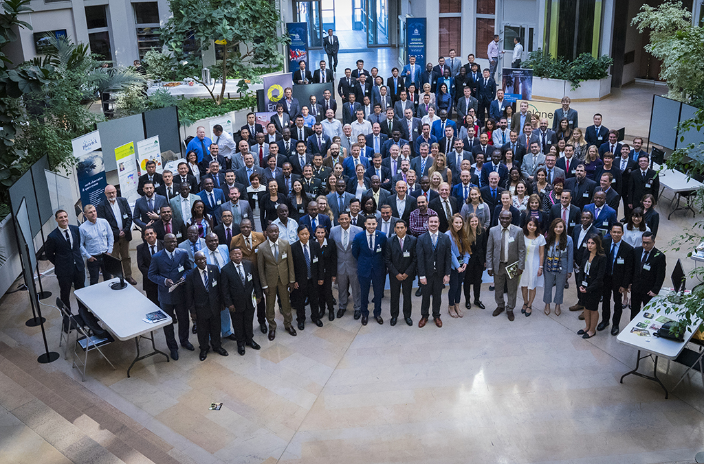 Almost 200 experts representing law enforcement, the timber industry, financial institutions, and non-governmental organizations from 51 INTERPOL member countries in addition to several United Nations organizations took part in the three-day (4 – 6 September) event.