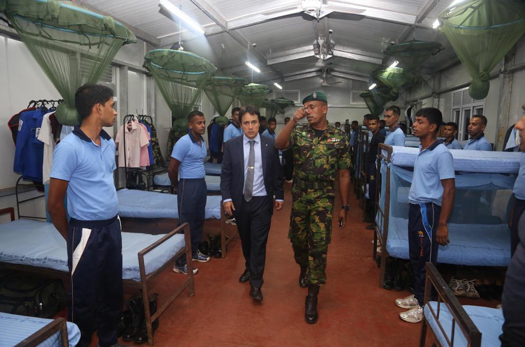 Visite à l'École de l'Unité spéciale d'intervention de Sri Lanka. Le projet Scorpius a collaboré avec les écoles de police d'Asie du Sud et du Sud-Est.