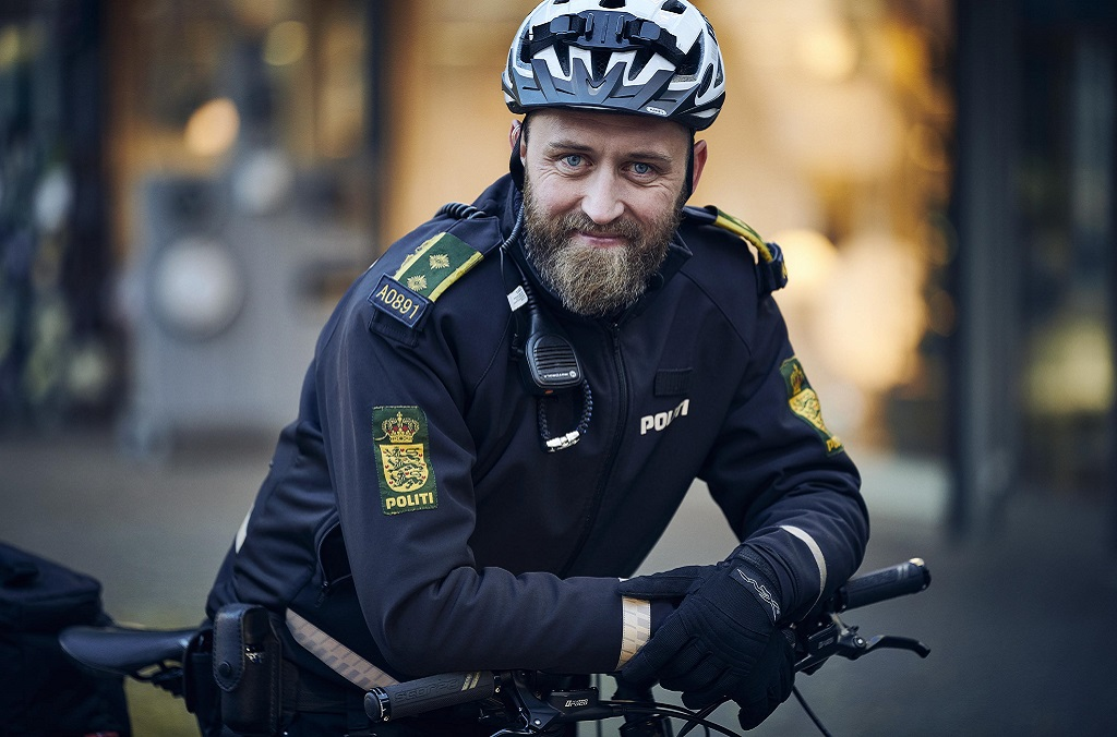 Danish policeman on bike Dansk Politiet