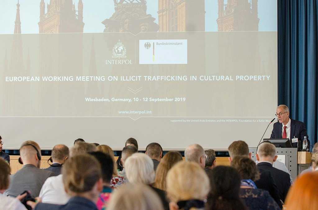 The BKA's Stefan Michel highlighted the challenge posed by the continuing looting of cultural goods in crisis regions.