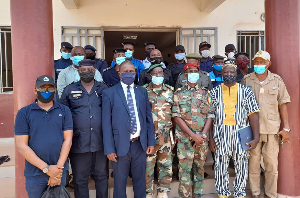 Activities to raise awareness of the INTERPOL Firearms Programme took place across Guinea.