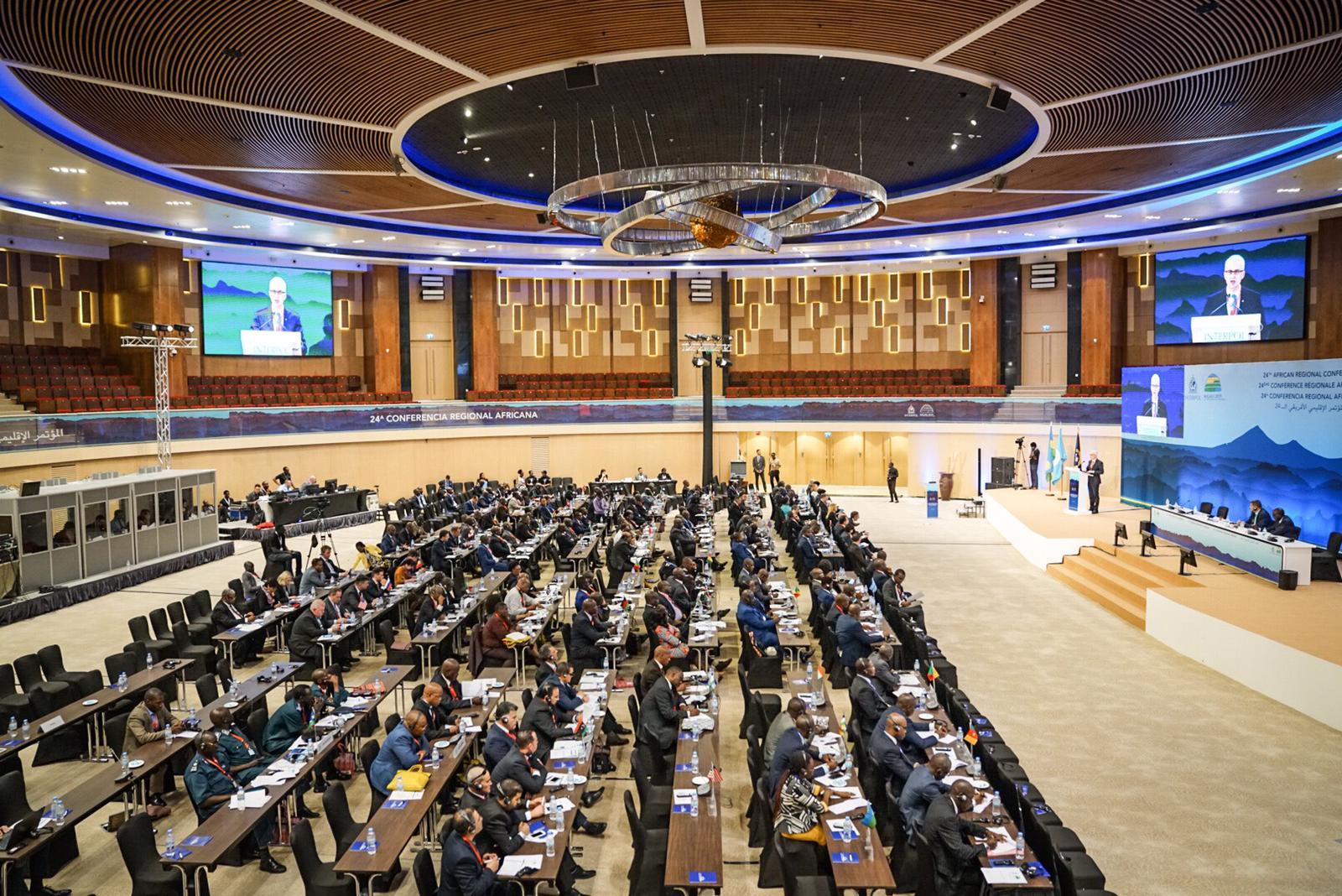 Près de 160 chefs de police et autres hauts responsables de services chargés de l'application de la loi de 42 pays assistent à la Conférence régionale africaine d'INTERPOL à Kigali.