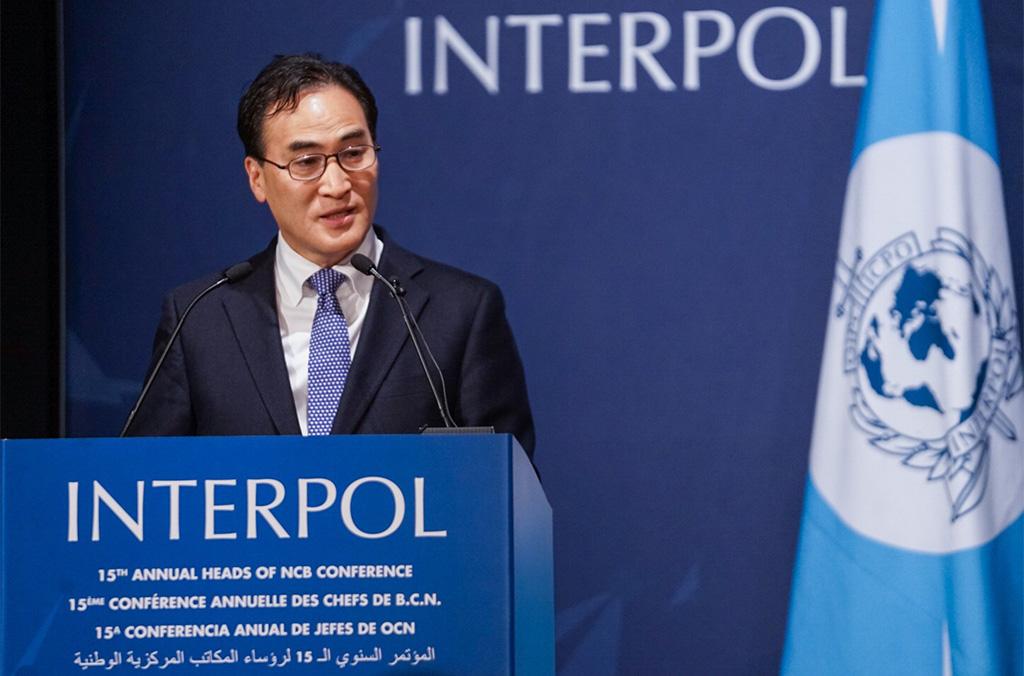 Ouvrant la conférence, le Président d'INTERPOL, M. Kim Jong Yang, a appelé les Chefs de B.C.N. à nouer des liens solides pour combattre toutes les formes de criminalité transnationale.