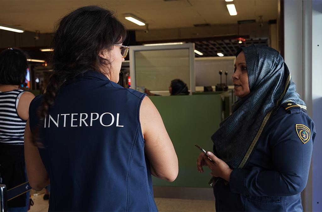 زيارة إلى مطار ماليه (ملديف) خلال زيارة تحقق من تطبيق معايير الجودة في المكتب المركزي الوطني (كانون الثاني/يناير 2018)