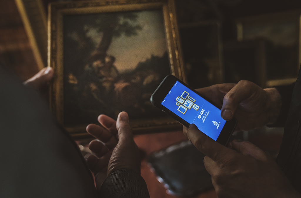 The ID-Art app enables mobile access to the INTERPOL database of stolen works of art, creates art collection inventories and both reports and records cultural sites at risk.
