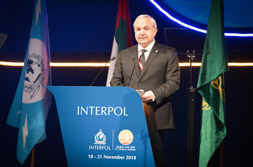 Elias Murr, President of the INTERPOL Foundation, addresses the 87th INTERPOL General Assembly in Dubai.