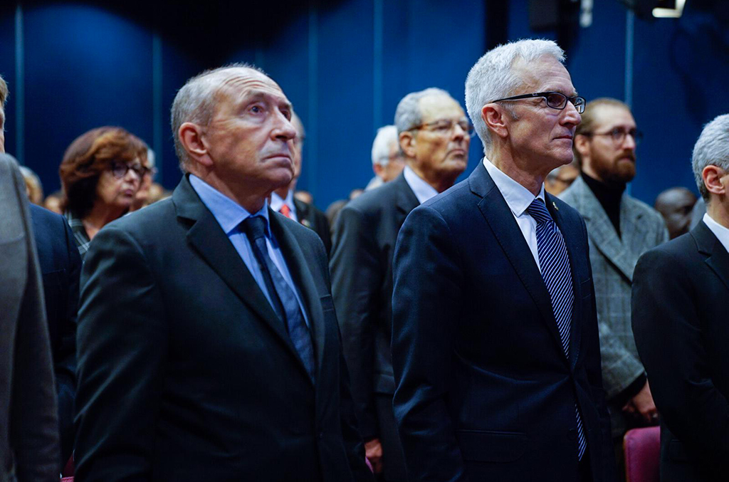 Celebrating the INTERPOL General Secretariat's 30 years in Lyon, Senator-Mayor Gérard Collomb joined Secretary General Jürgen Stock in marking the Organization's establishment in the city.