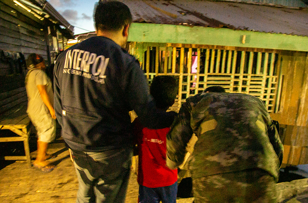 Indonesian authorities identified and rescued 35 adults and 17 children arriving from Malaysia.