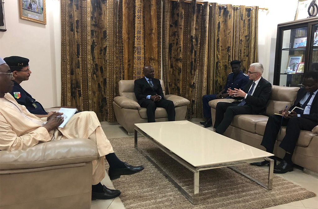 Mali's Minister of Security and Civil Protection Salif Traoré met with Secretary General Stock during the INTERPOL Chief's first official mission to the country.