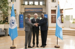 Permanent Secretary of the G5 Sahel Maman Sambo Sidikou, INTERPOL Secretary General Jürgen Stock and Jean Bosco Kienou, President of the G5 Sahel Committee for Defence and Security and Director General of the Burkina Faso National Police.